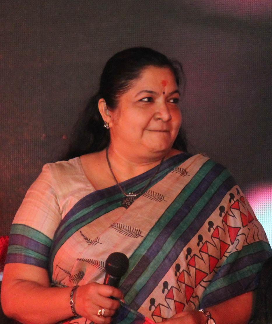 Communication on this topic: Leslie Carlson, chithra/