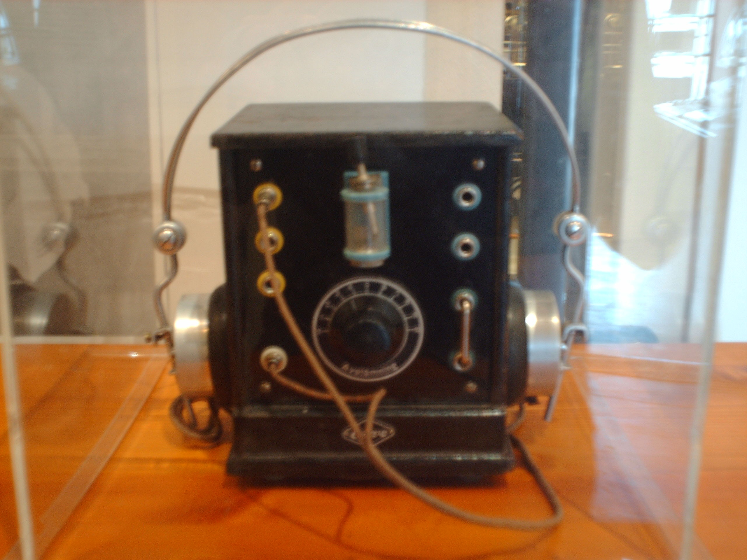Crystal Radio Diode For Low Impedance Headphones Source Https Uploadwikimediaorg Wikipedia Commons 5 5a Kristallmottagare