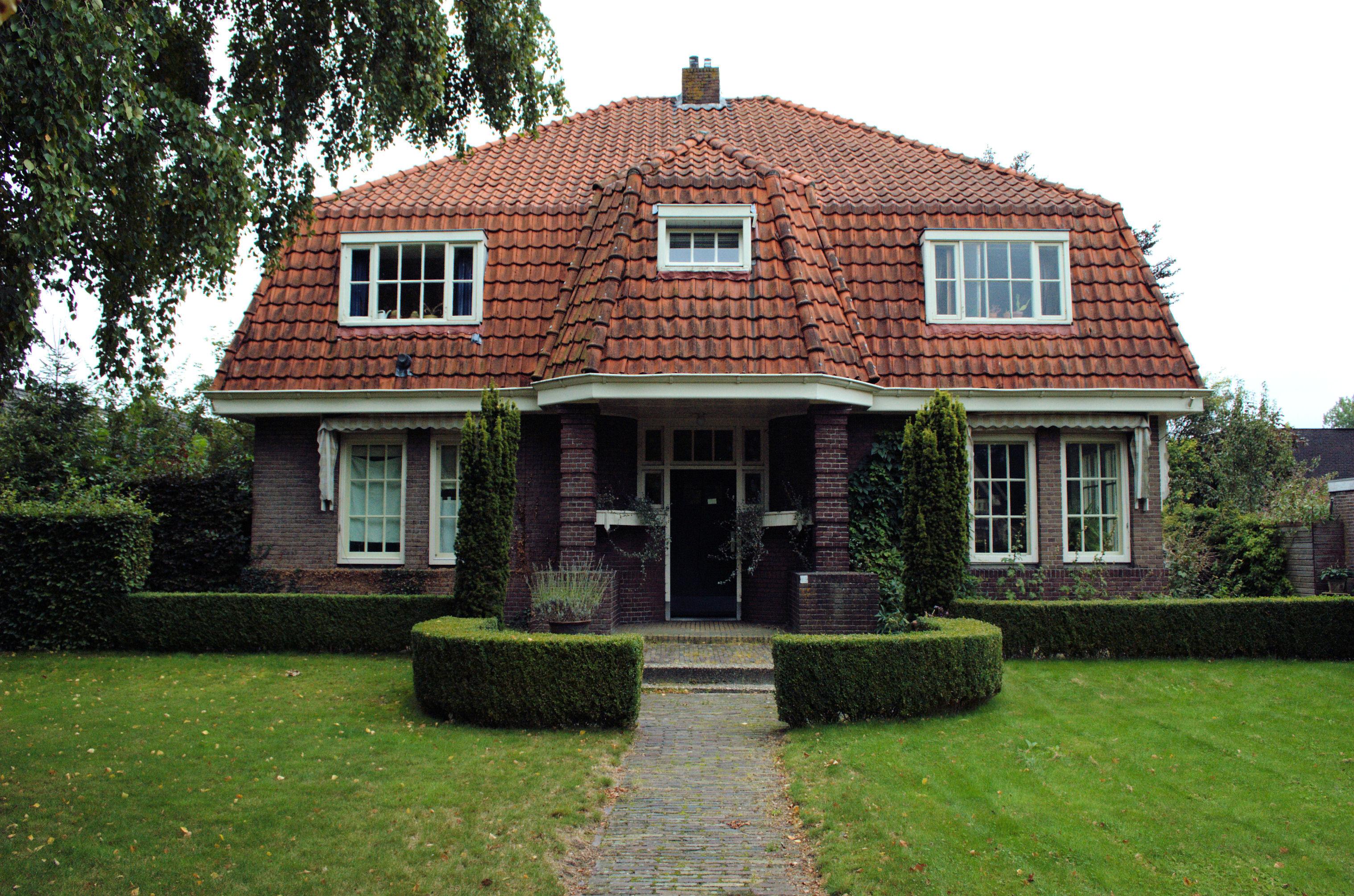 Jaren 30 Keuken Amsterdamse School : Woonhuis annex kantoor in een aan de Amsterdamse School verwante stijl