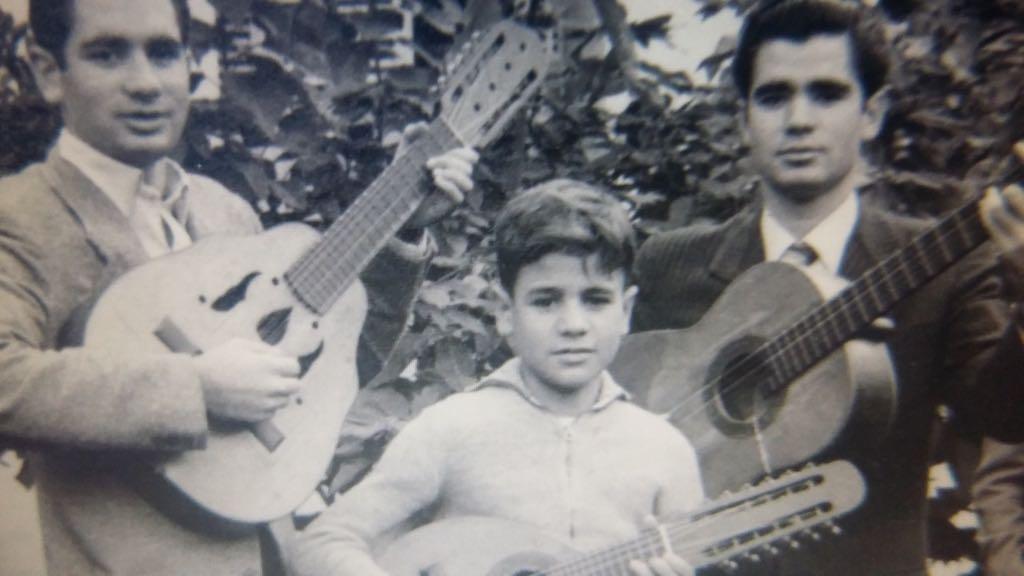 Luis Morera junto a sus hermanos Manolo y Álvaro Morera