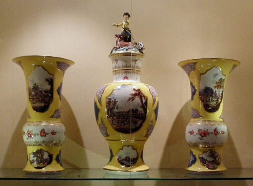 Filemeissen Hunt Scene Vase Setg Wikimedia Commons