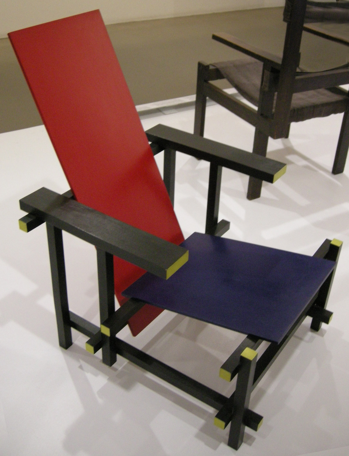 Sedia Red And Blue.File Ngv Design Gerrit Rietveld Red Blue Chair 1917 02 Jpg