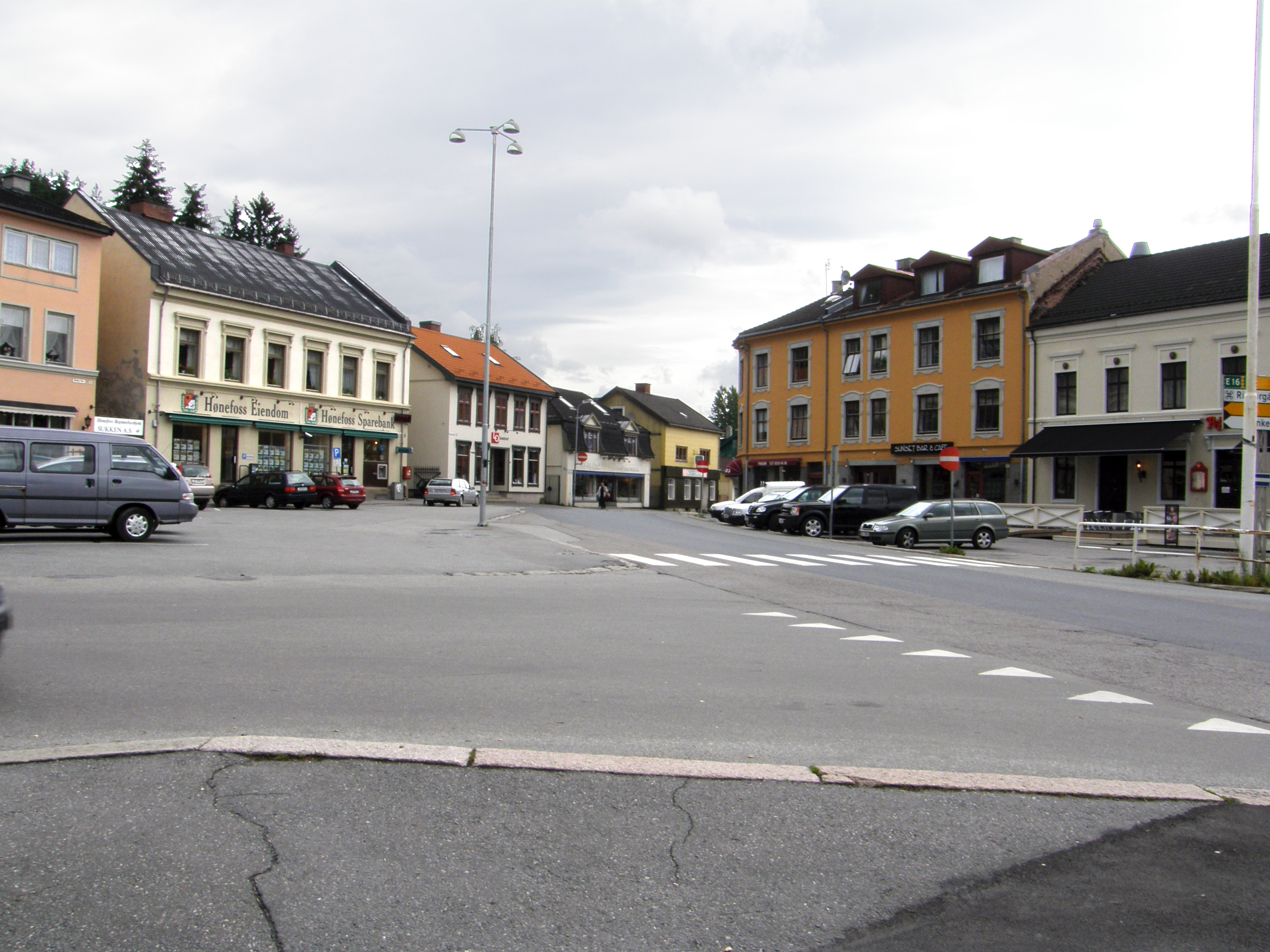 Honefoss Norway  city photo : Nordre torv Honefoss 00 Wikimedia Commons