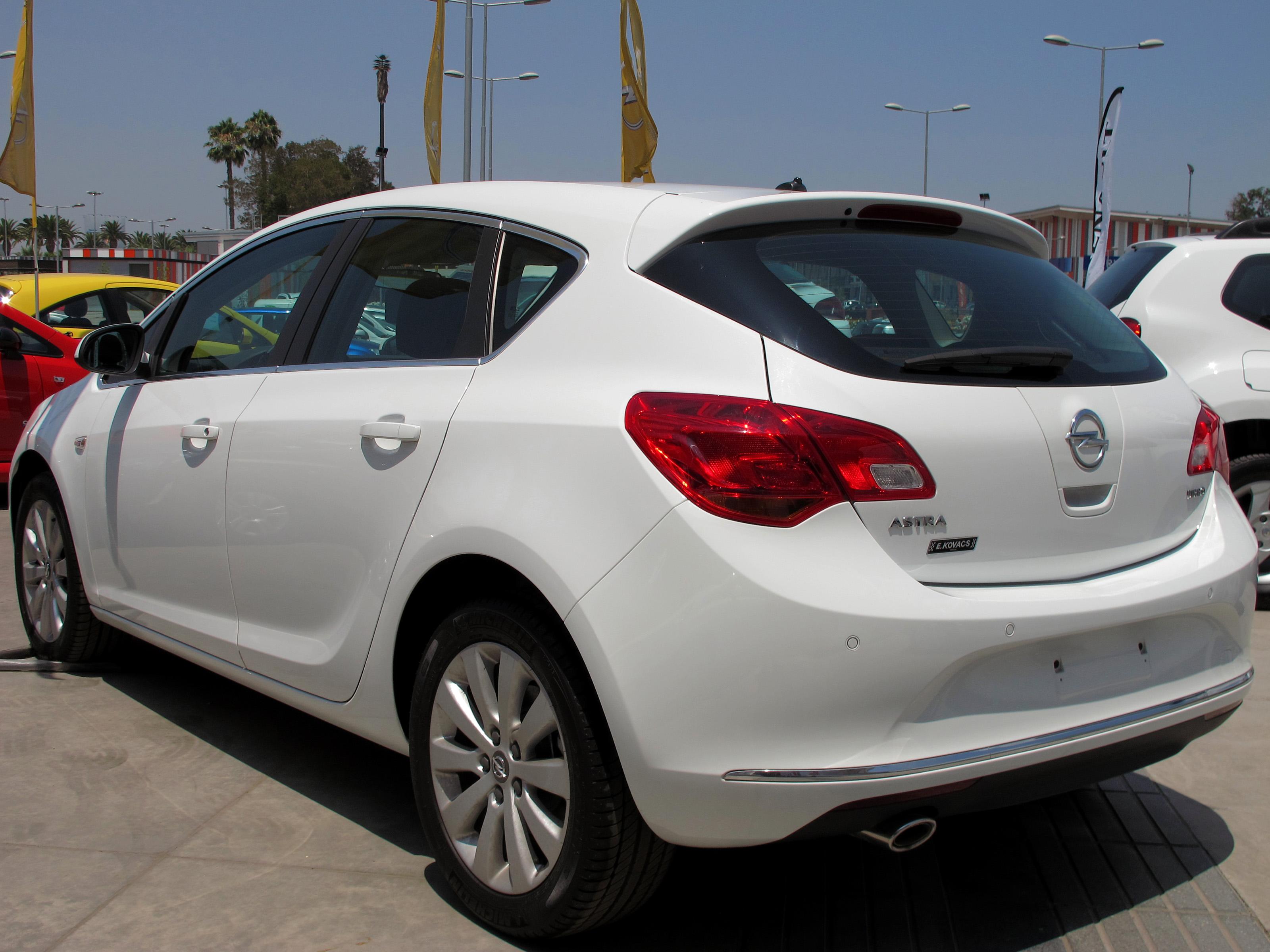 File:Opel Astra 1.6T Enjoy 2015 (16727347751).jpg ...