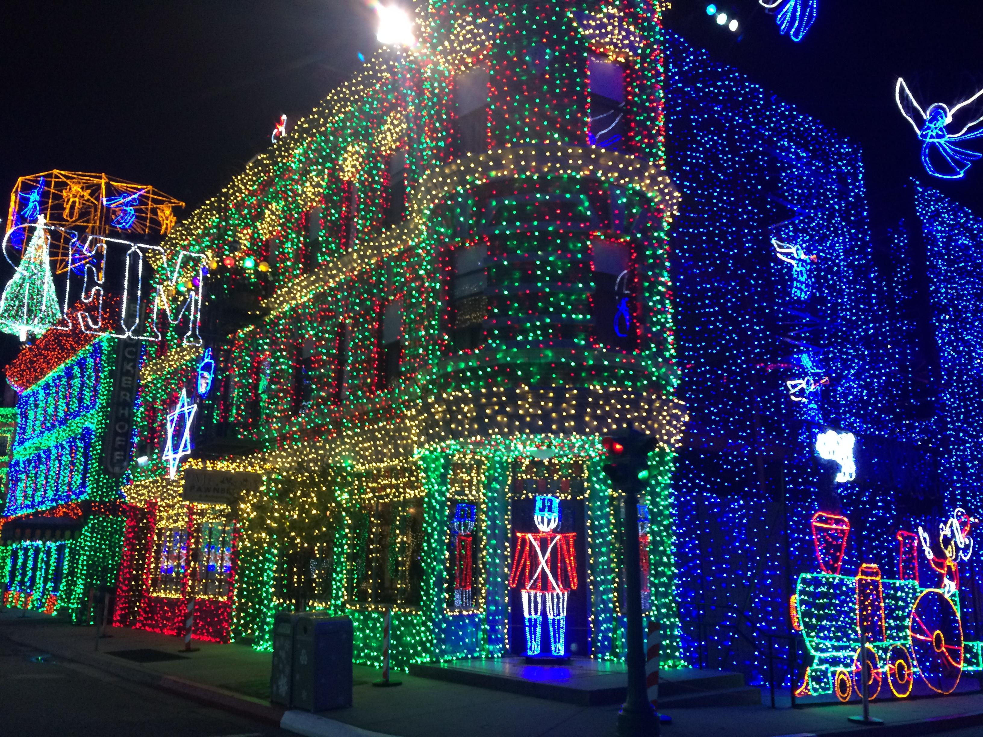 fileosborne family spectacle of dancing lights 26578956400jpg - Osborne Family Christmas Lights