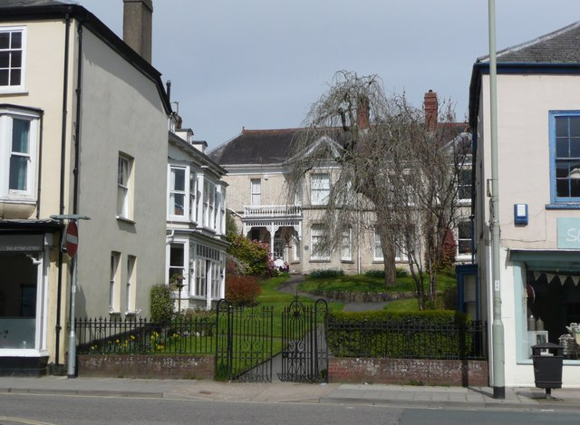 Paradise Lawn, South Molton - geograph.org.uk - 1802938
