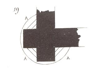 il restait des triangles A qu'il fallait soutenir par des encorbellements dont l'assise inférieure, au moins, était taillée en forme de cul-de-lampe..