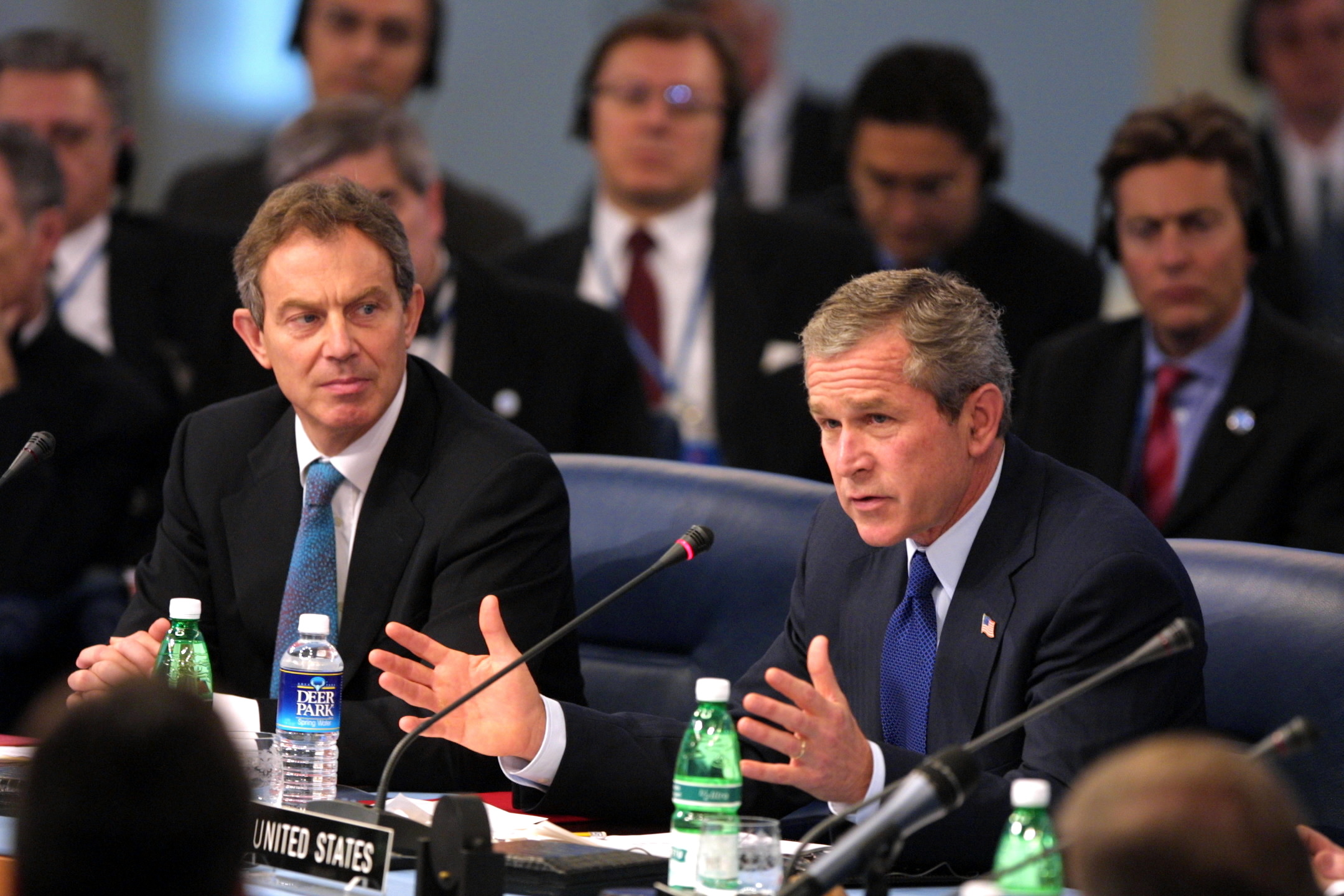 Archivo:President George W. Bush and Prime Minister Tony Blair of Great Britain at Meeting of the NATO-Russia Council.jpg - Wikipedia, la enciclopedia libre