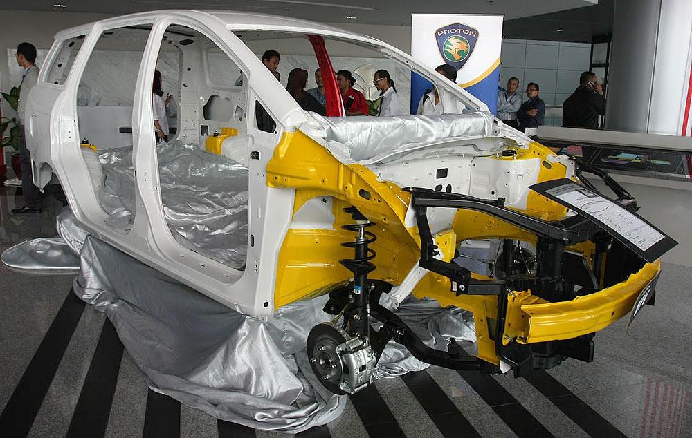 Proton Exora - Malaysia 1st MPV