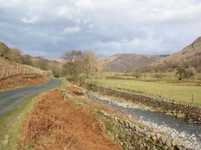 File:Road along the Derwent - geograph.org.uk - 743892.jpg