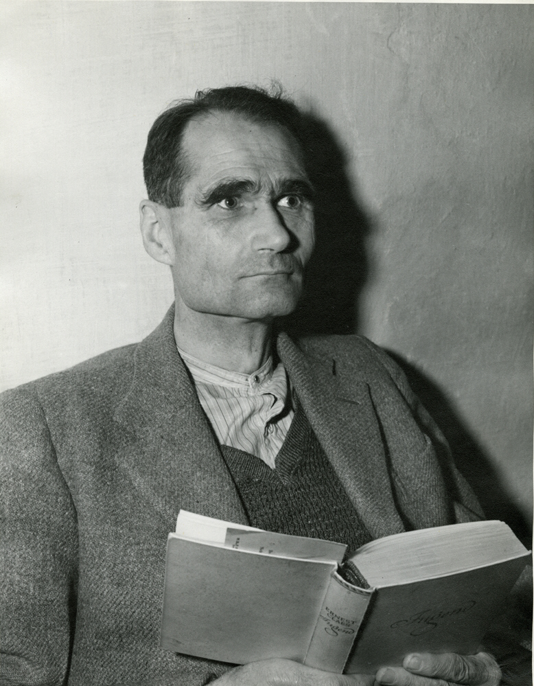rudolf hess Walter richard rudolf hess (heß in german) (april 26, 1894 – august 17, 1987)  was a prominent figure in nazi germany, acting as adolf.