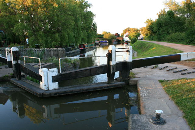Shardlow Lock - geograph.org.uk - 874111