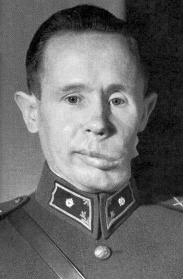 Häyhä in the 1940s, with visible damage to his left cheek after his 1940 wound