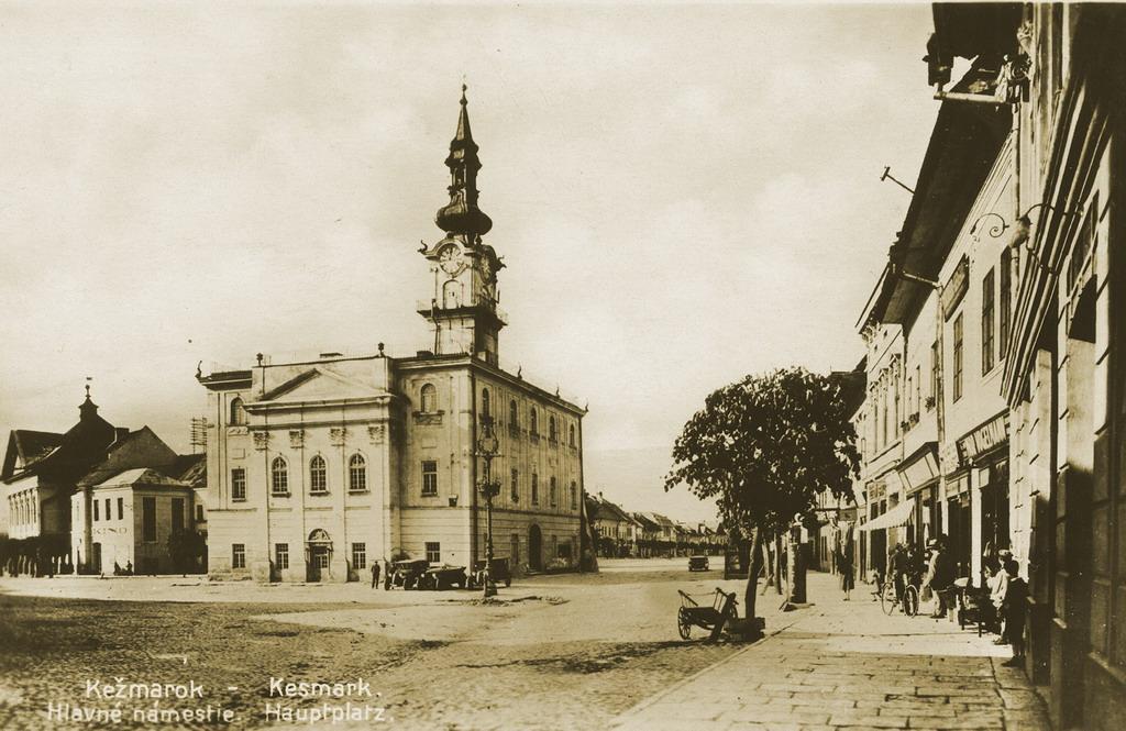 Starý Kežmarok - Radnica a námestie.jpeg