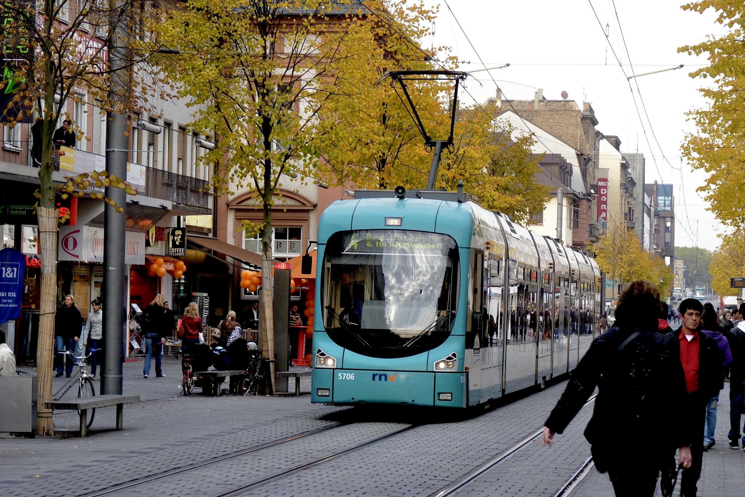 Streetcar Straßenbahn Tram Mannheim RNV Rhein-Neckar-Verbund 15.JPG