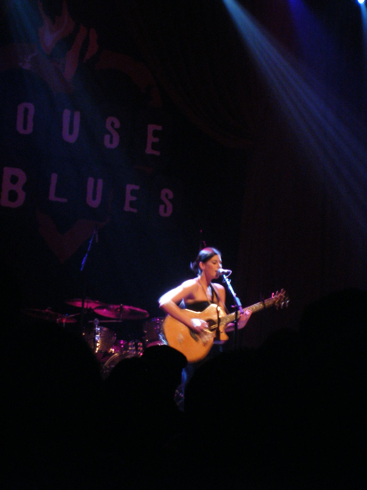 Tristan Prettyman performing at the San Diego, California House of Blues in 2006.