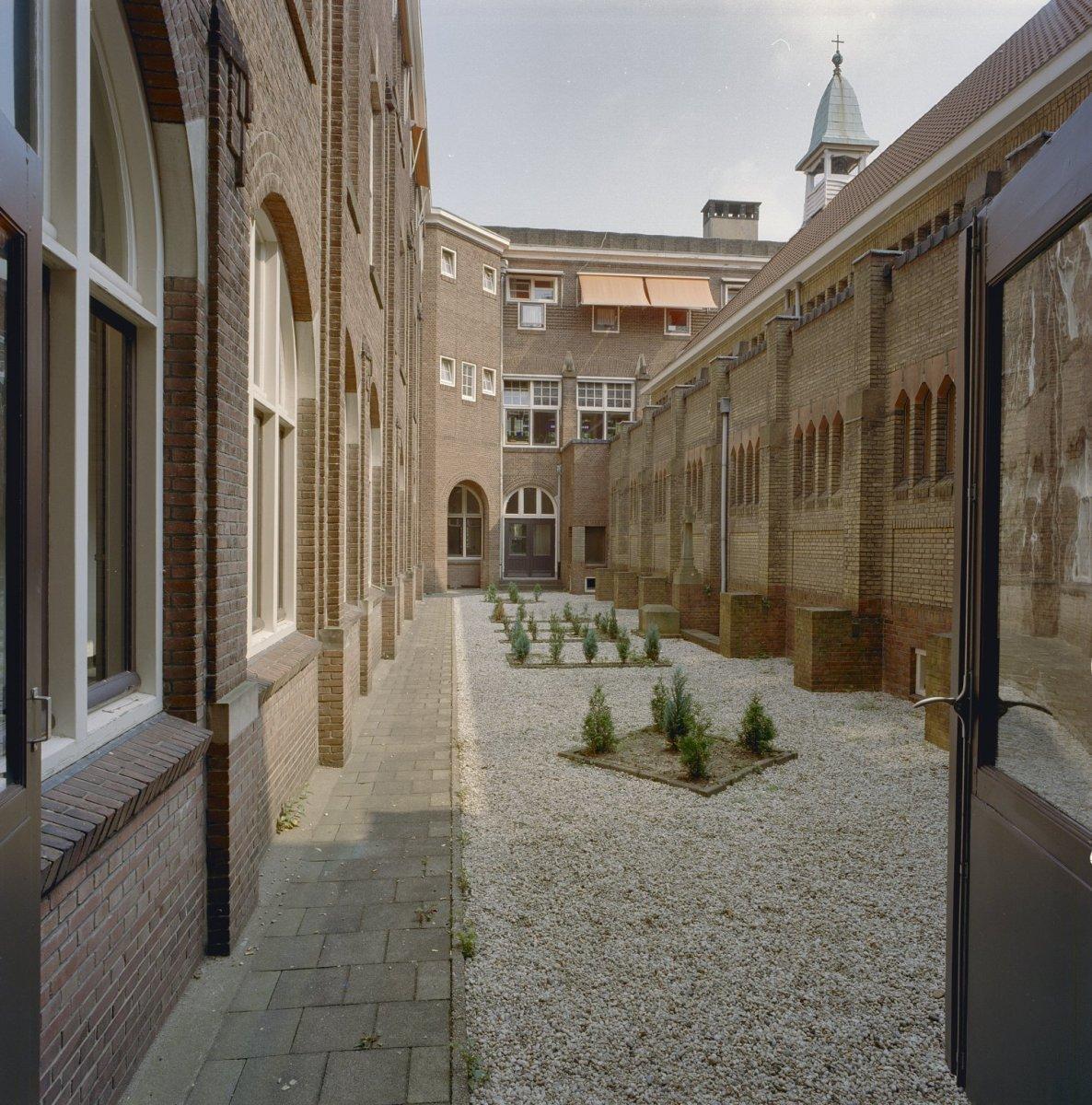 File tuin kloosterkapel binnentuin nijmegen 20337555 for Tuin aanleggen nijmegen