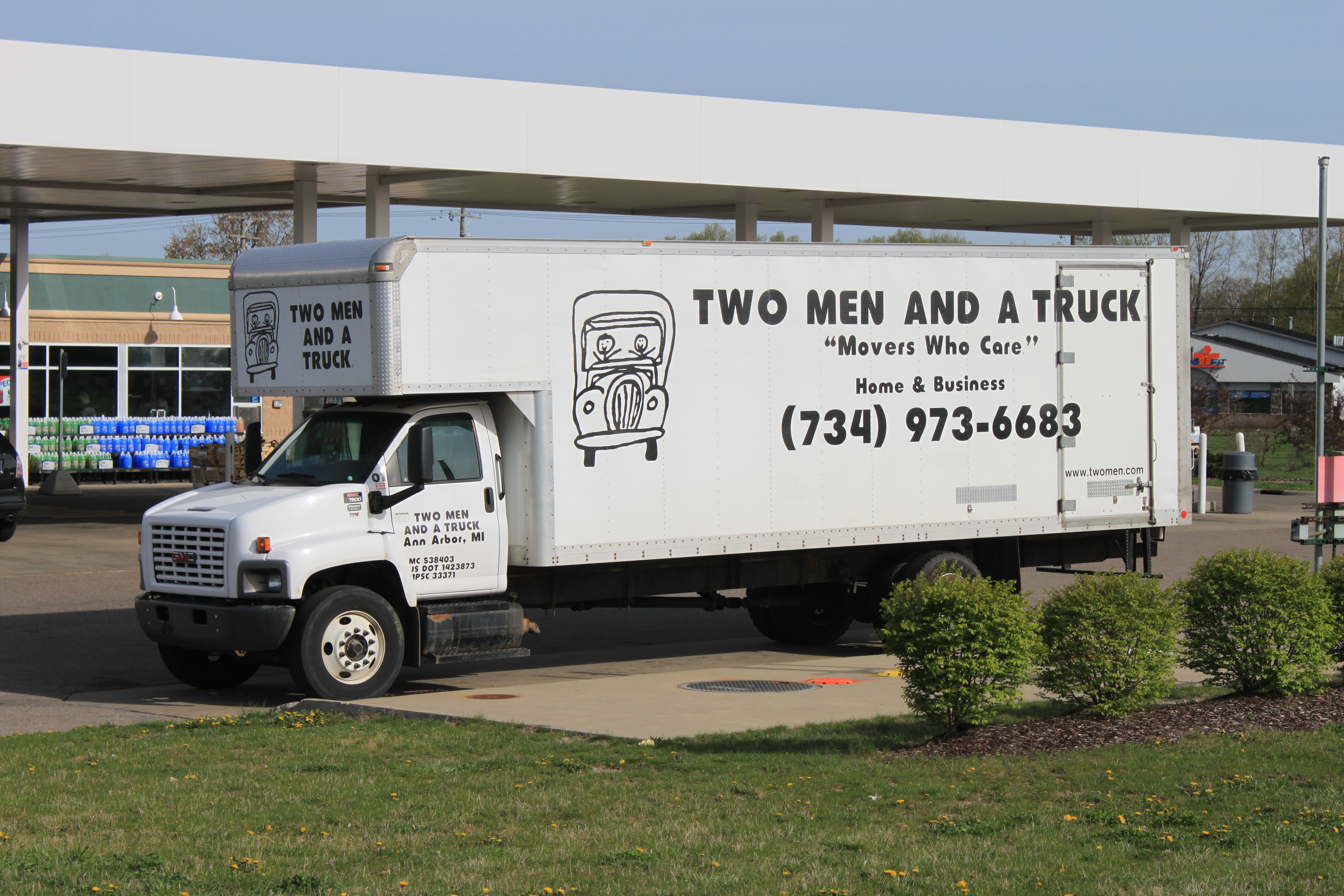 Two men and a truck com