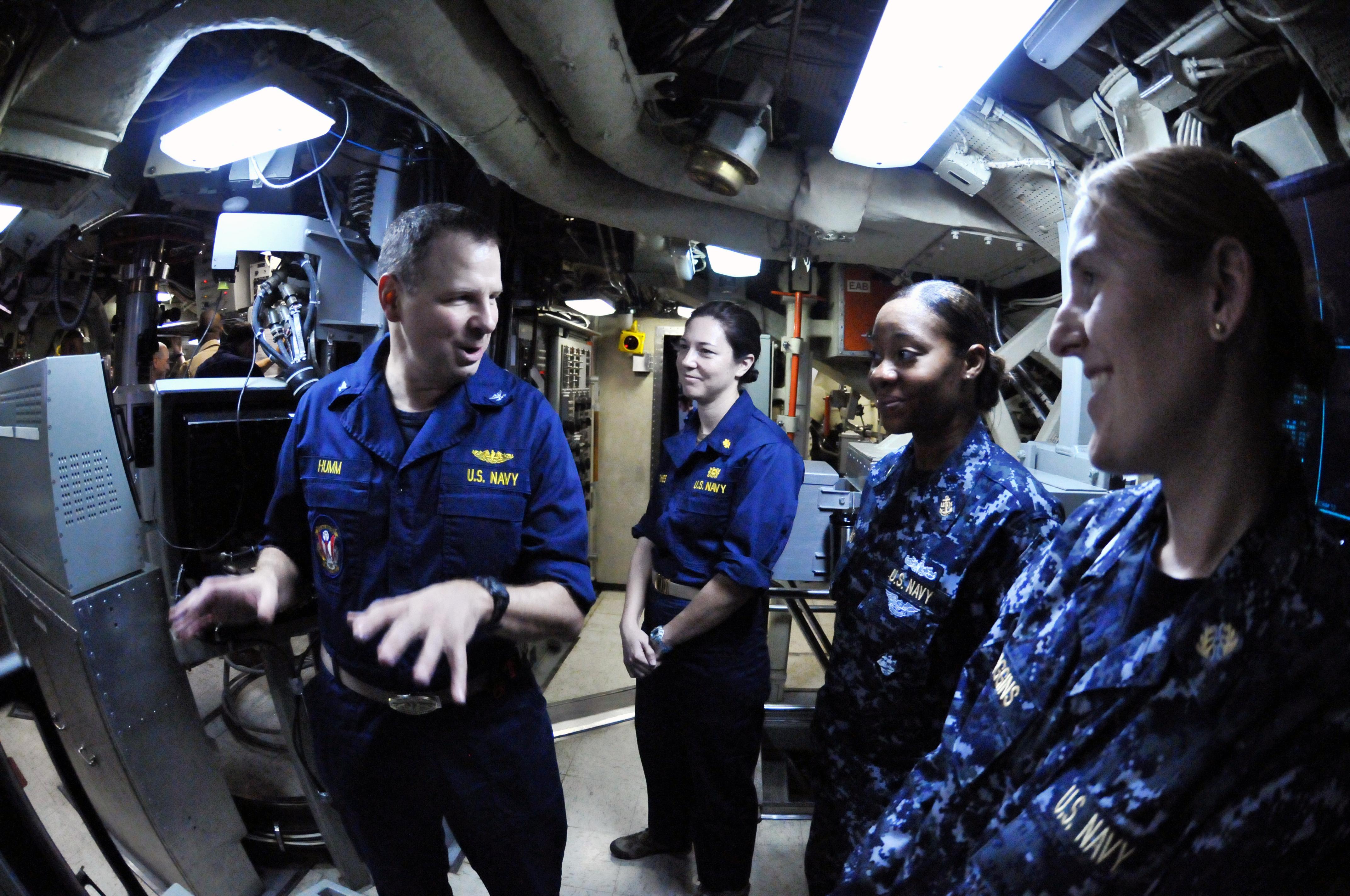 file us navy 111111 n bq308 078 capt brian humm commanding officer