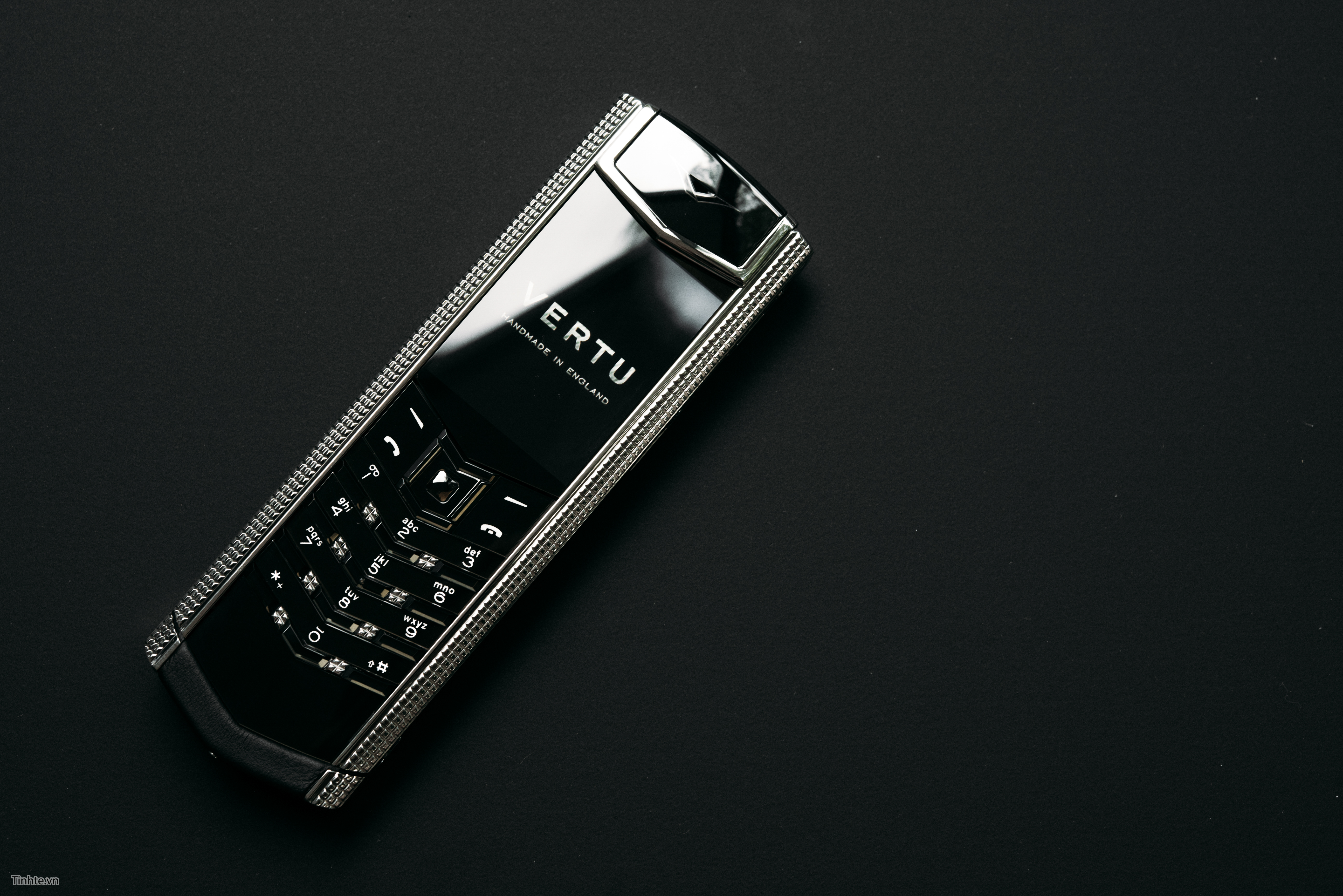 Vertu: Rise and Fall of the Ultimate Luxury Mobile Phone | 3716x5567