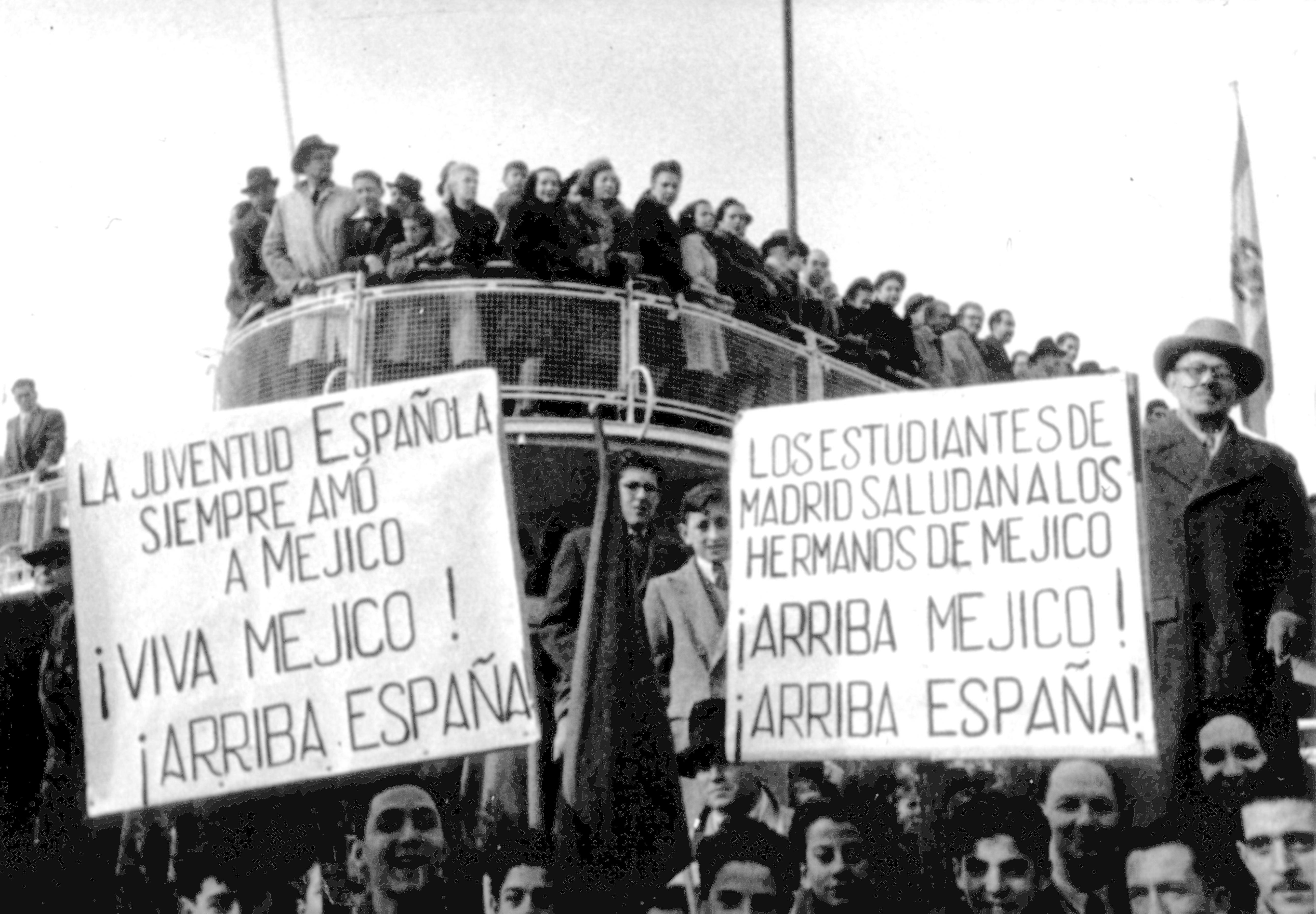 File:Vuelo inaugural de Iberia México-Madrid (1950) (5811669216).