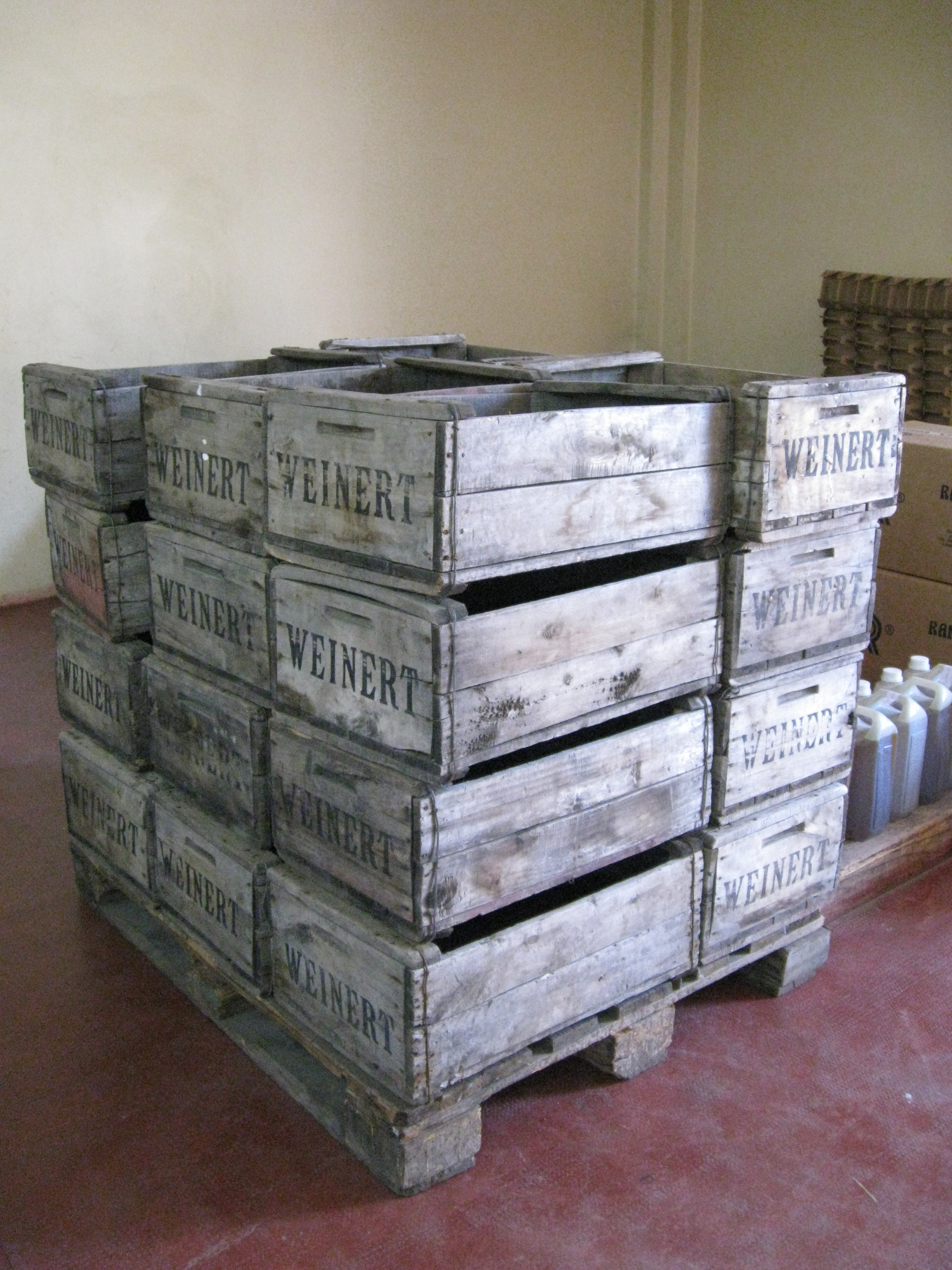File:Wooden Wine Crates for grape harvesting.jpg - Wikimedia Commons