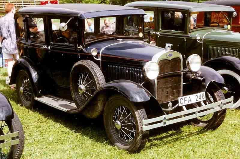 File 1930 ford model a 4 door sedan wikimedia for 1930 model a 4 door sedan
