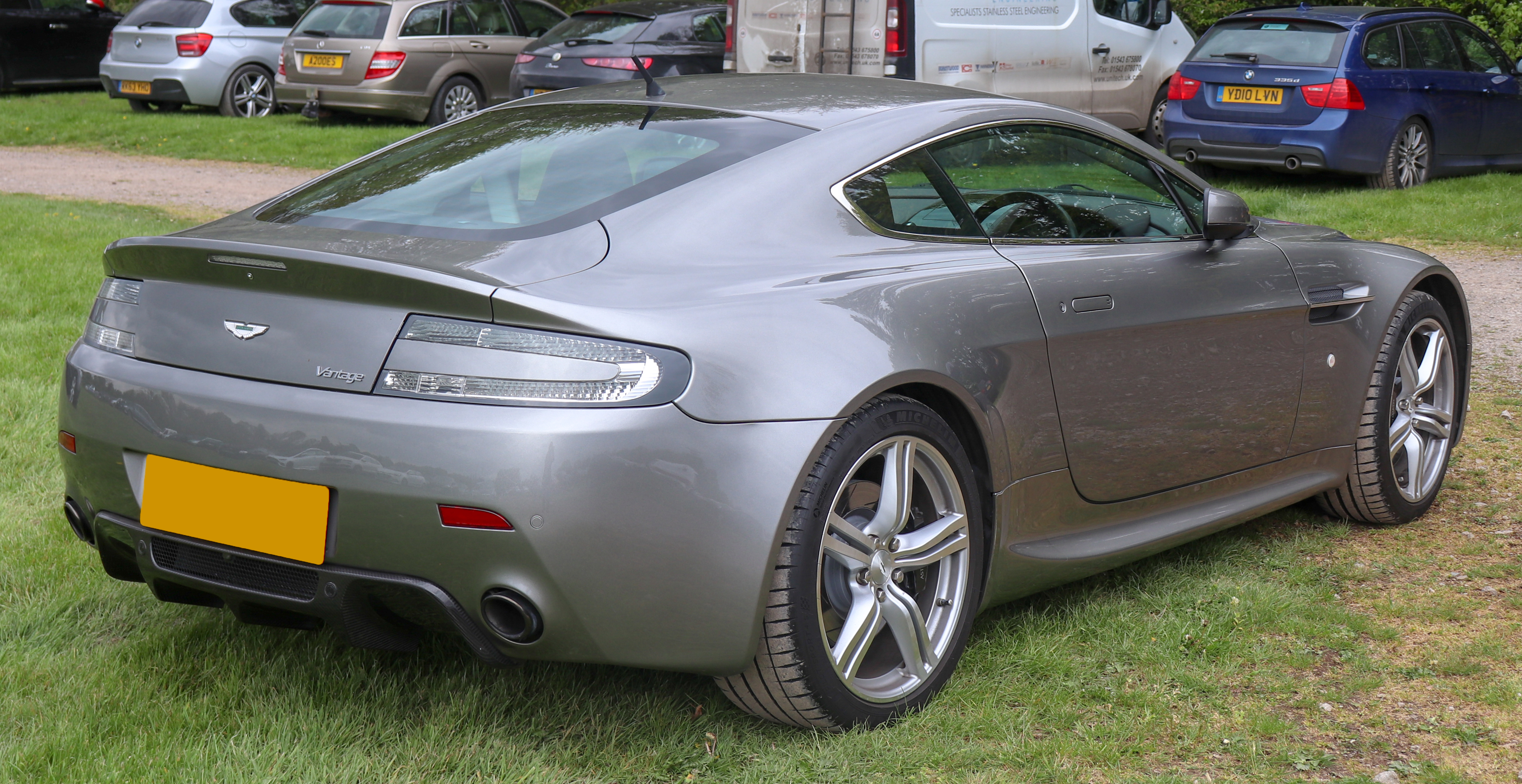 File 2007 Aston Martin V8 Vantage 4 3 Rear Jpg Wikimedia Commons
