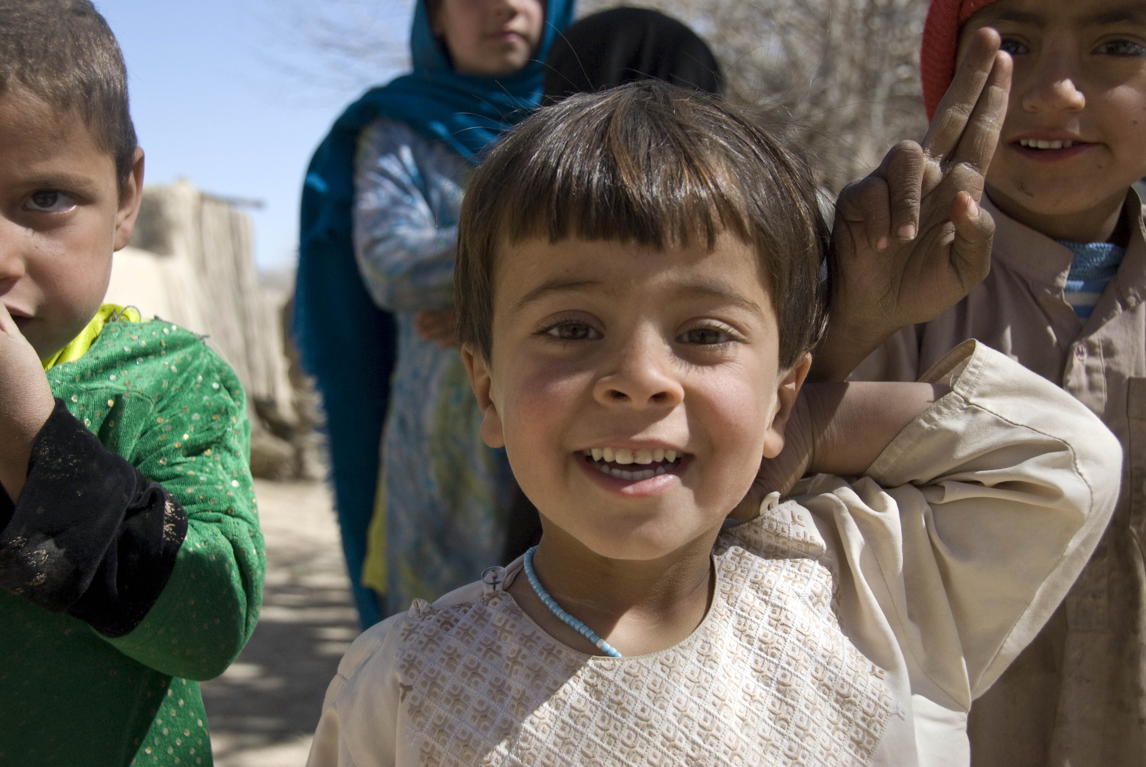 Https Commons Wikimedia Org Wiki File Afghan Children Smile At Gis A Jpg