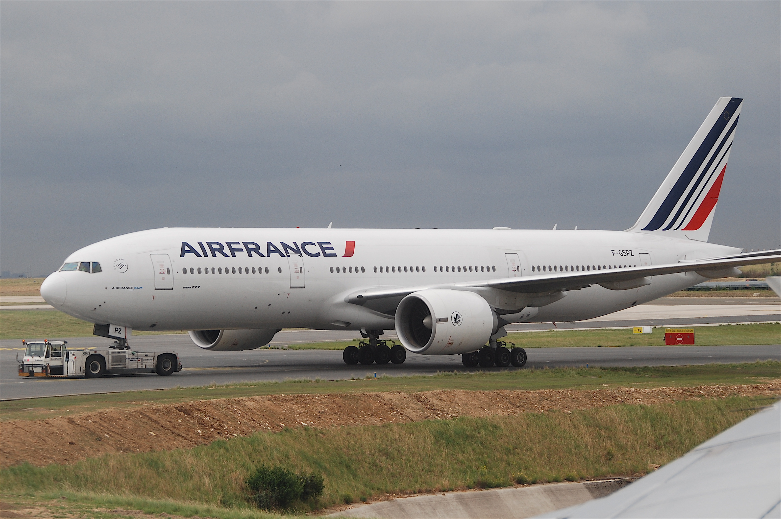 File air france boeing 777 228er f gspz cdg for Boeing 777 air france interieur