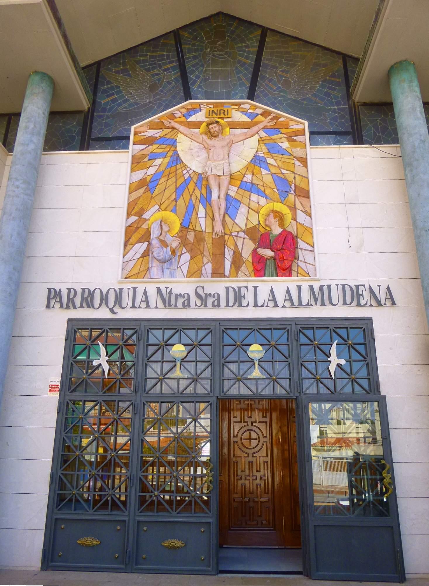 File Benidorm Parroquia De Nuestra Señora De La Almudena 2 Jpg Wikimedia Commons