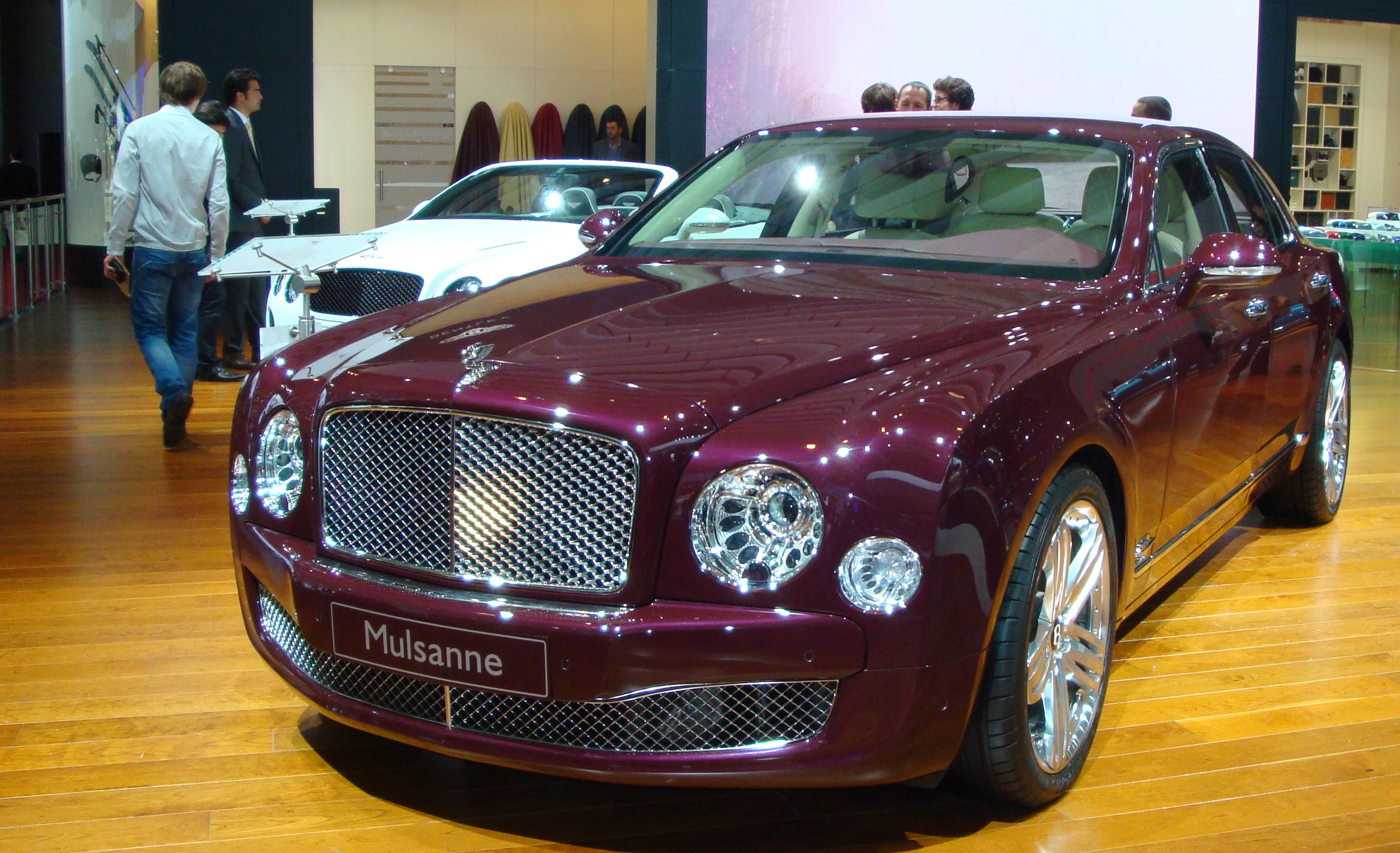FileBentley Mulsanne 2010JPG  Wikimedia Commons
