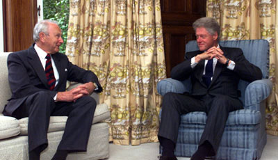Governor-General Sir Michael Hardie Boys receives US President Bill Clinton at Government House, Wellington, 11 September 1999 Bill Clinton Michael Hardie-Boys.jpg