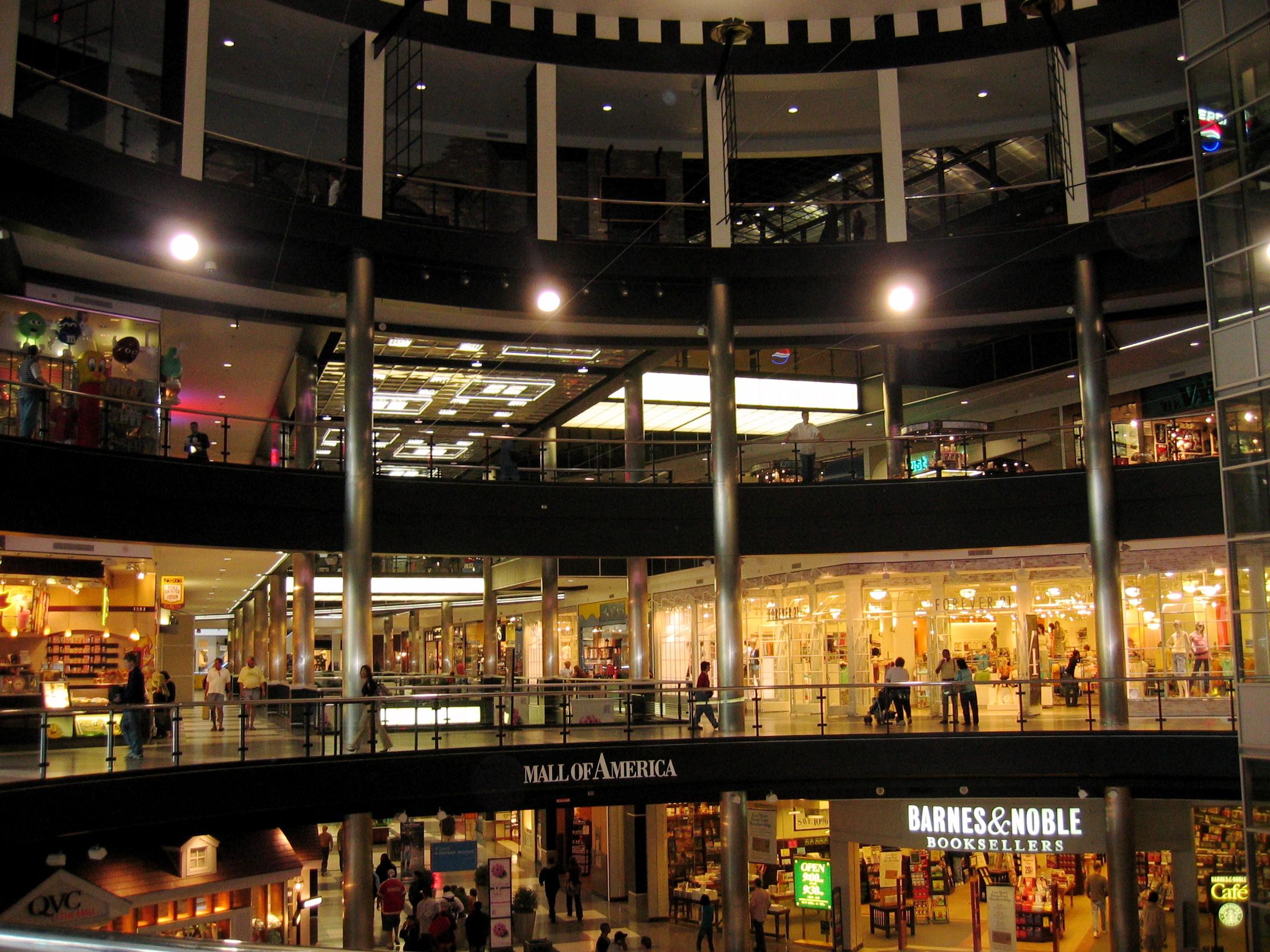 mall of america Más de 250 tiendas y marcas con descuento hacen que dolphin mall sea uno de los centros comerciales más populares de miami conócelo.