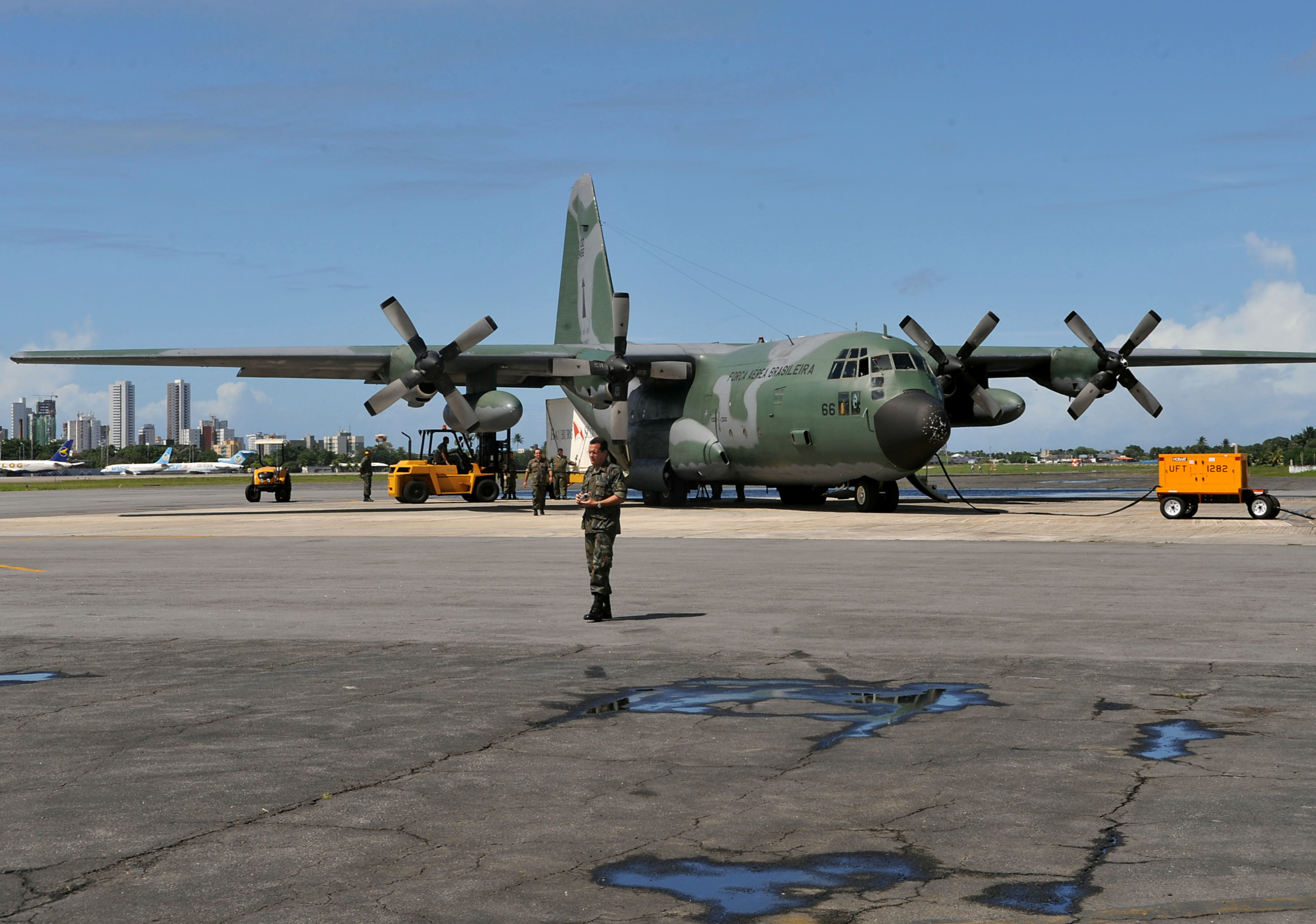 Elicottero C130 : File c hercules brazilian air force i g wikimedia