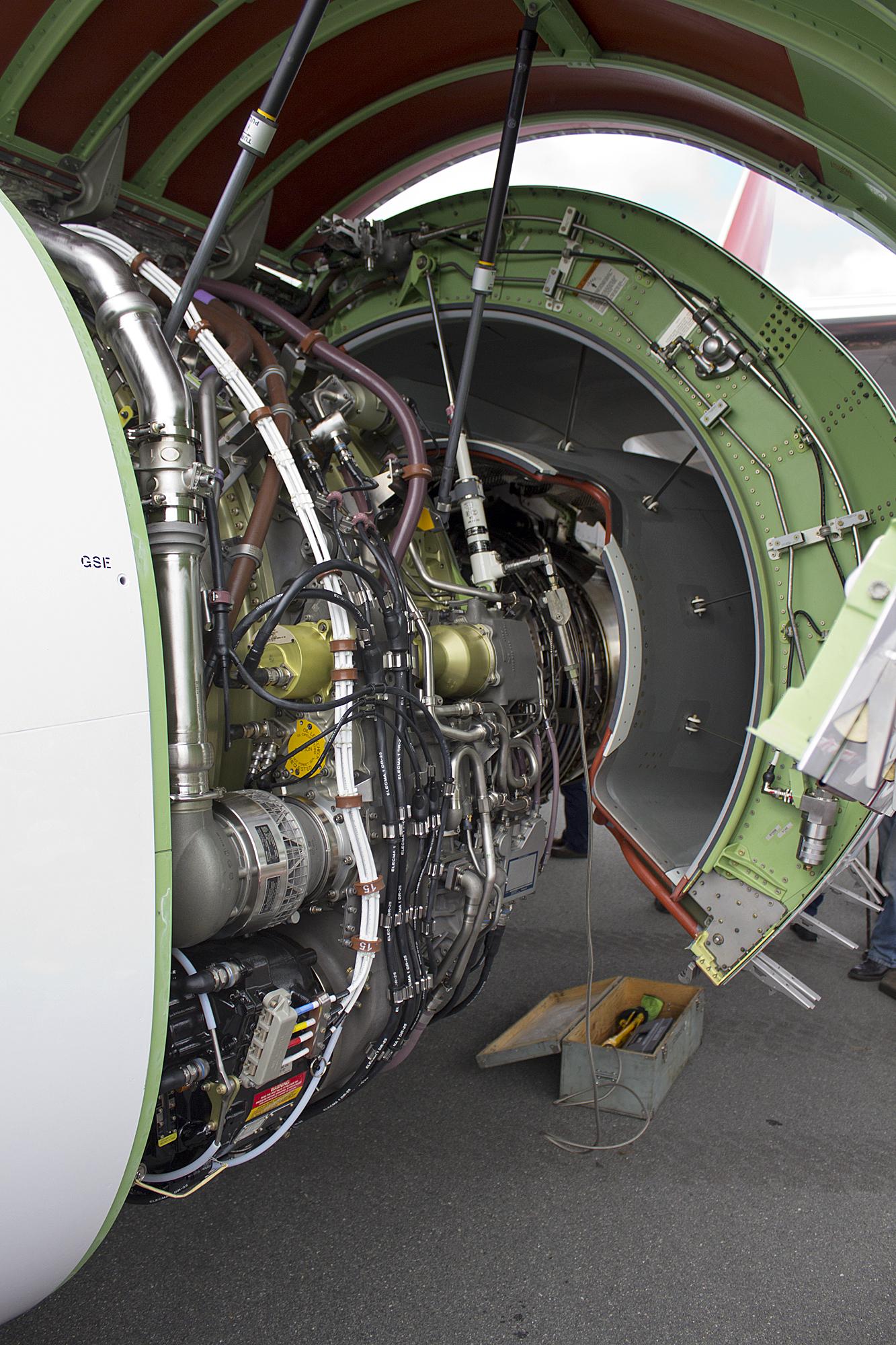 File:CFM International CFM56-7B26 fitted to Qantas (VH-VZY