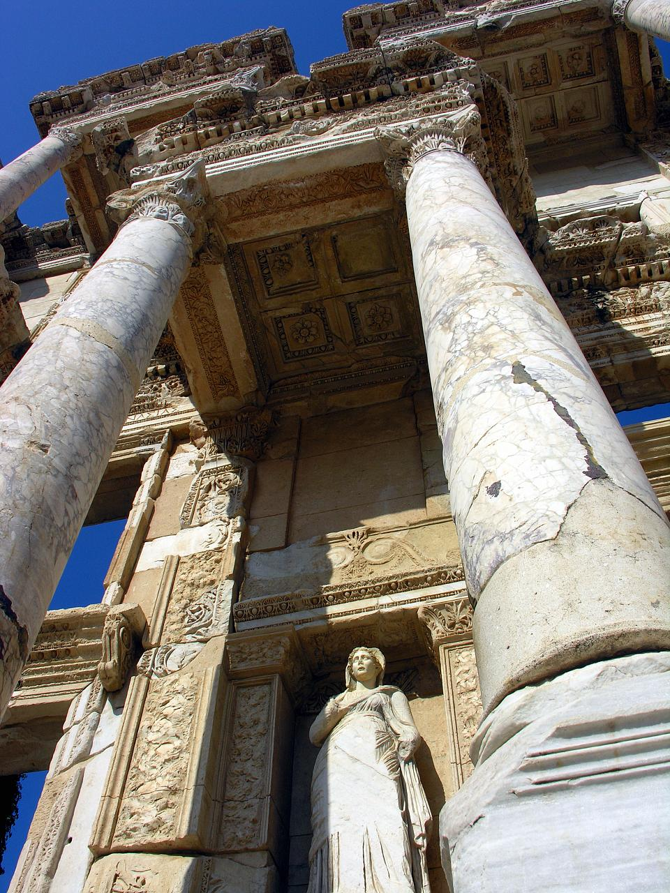 File Celsus Library In Ephesus Turkey Jpg Wikimedia Commons