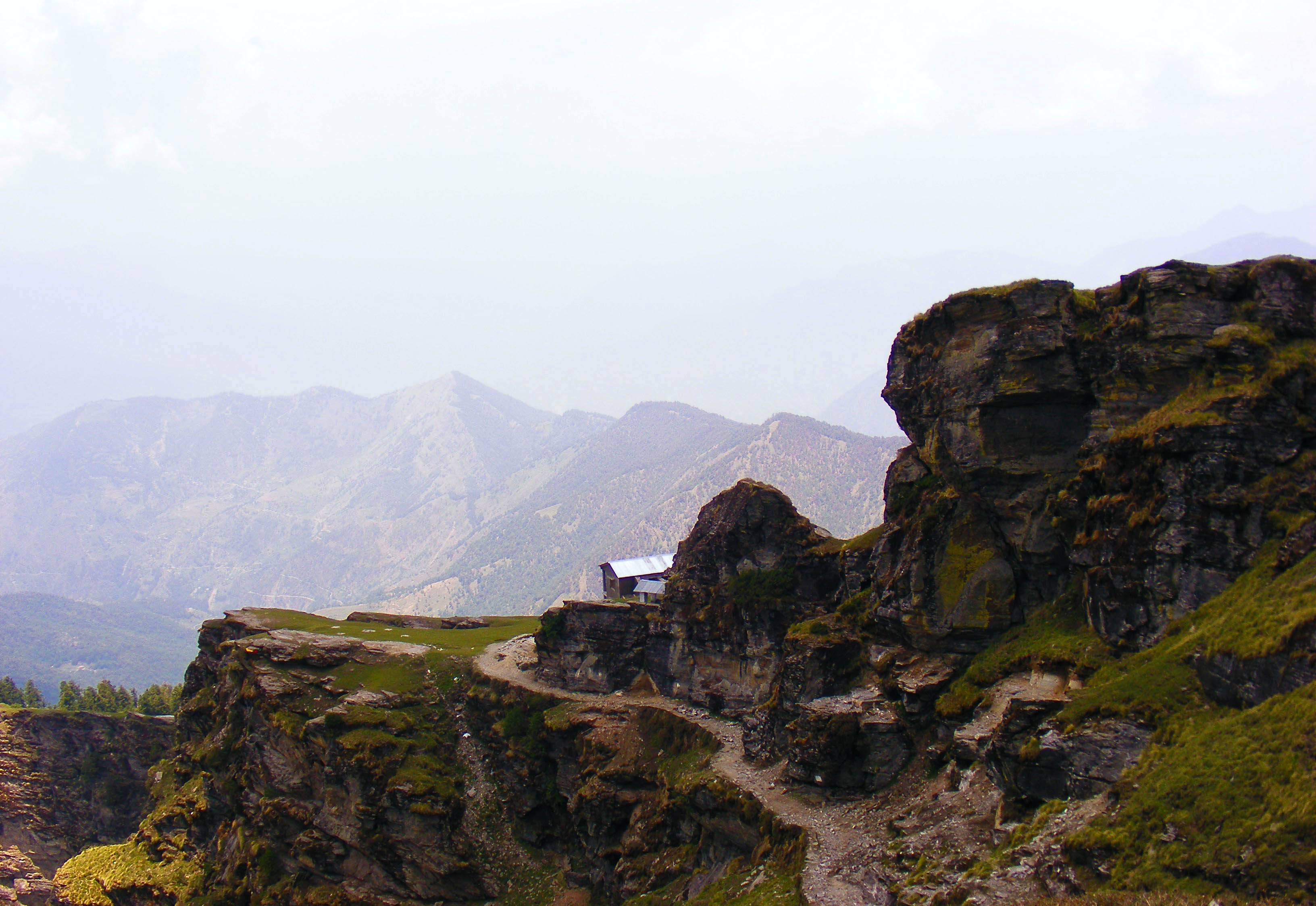 File:Chandrashila trek.jpg - Wikimedia Commons