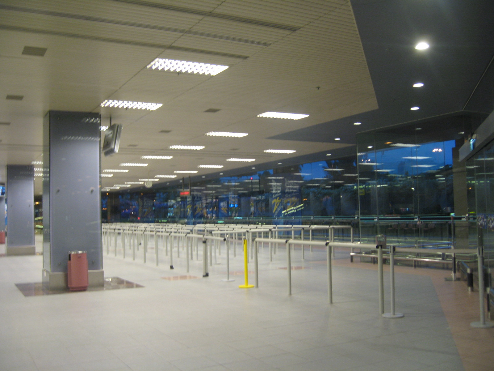 file changi airport terminal 1 arrival hall 2 jpg. Black Bedroom Furniture Sets. Home Design Ideas
