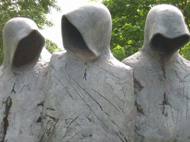 La conspiration du clotre, sculpture de Philip Jackson.