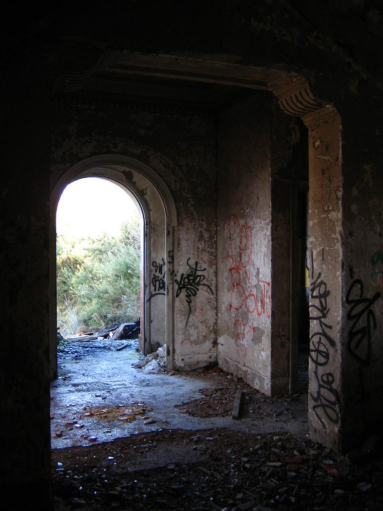 File entrada das casas de bailly cambre wikimedia commons - Casas en cambre ...