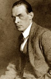 https://upload.wikimedia.org/wikipedia/commons/5/5b/Erich_Maria_Remarque1.jpg