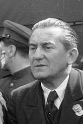 Fotothek df pk 0000177 b 023 cropped for Franz Dahlem portrait Mayday 1946.jpg
