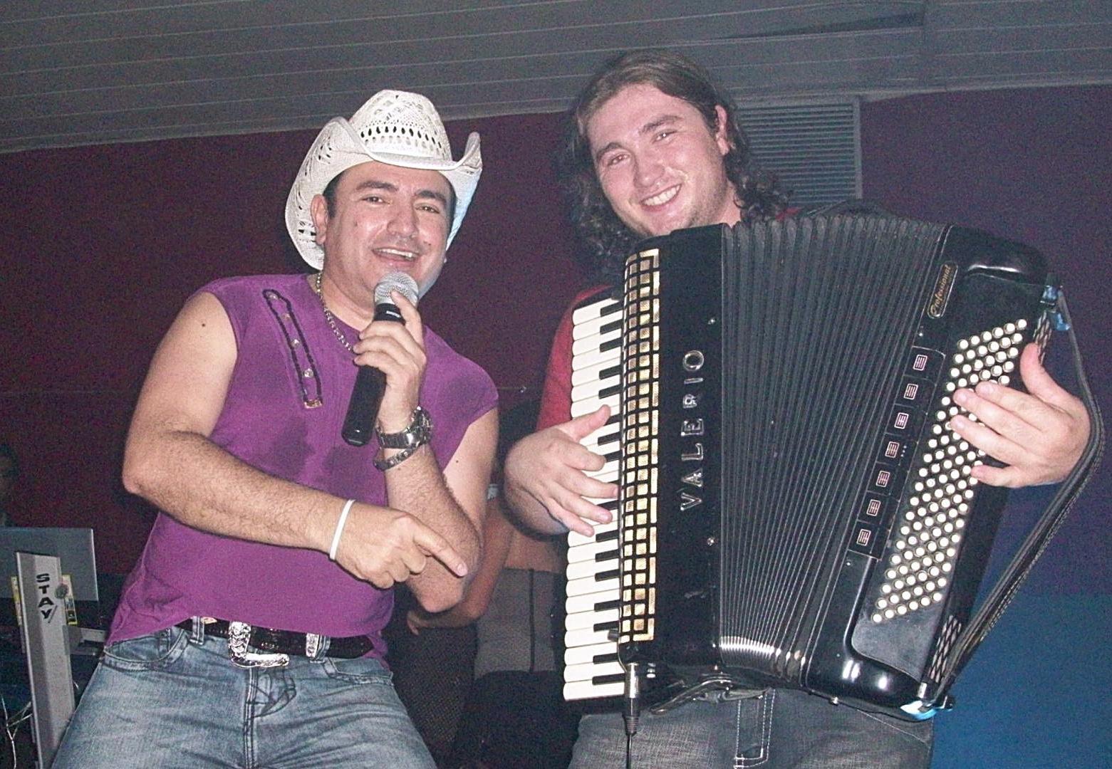 BAIXAR FORRO CD CANINANA 2010