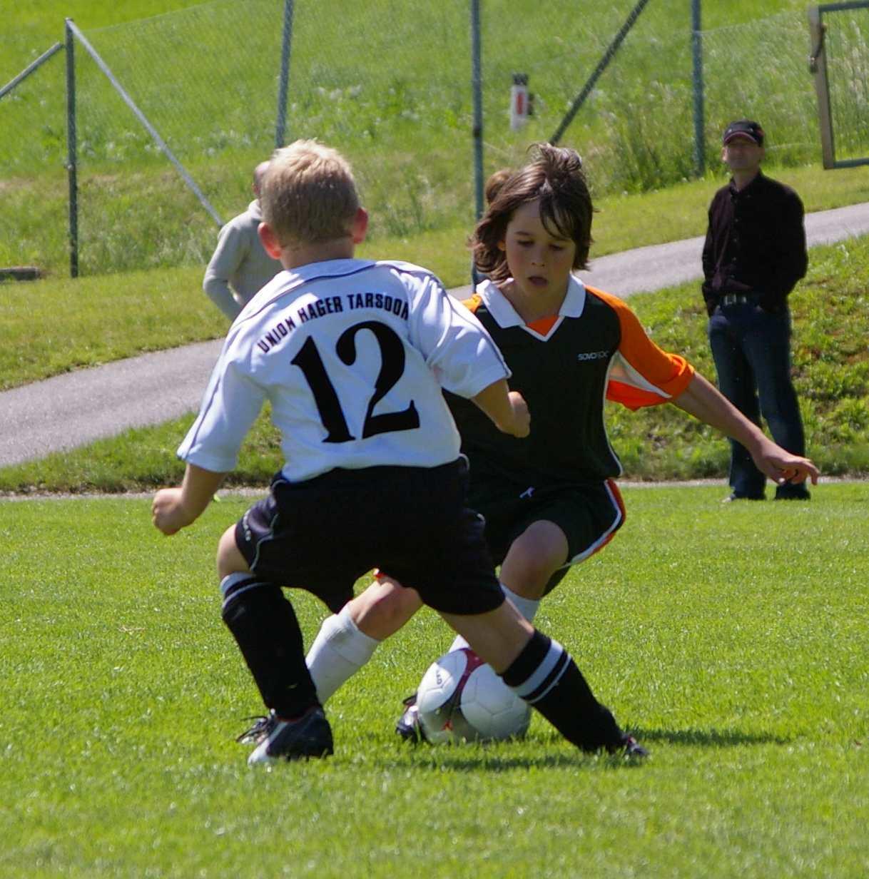 File Fussballspieler Jpg Wikimedia Commons