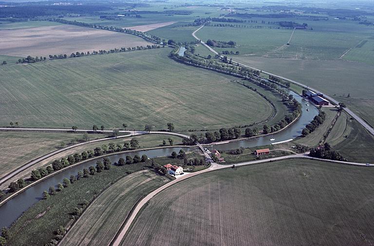 2d87db23870f File:Göta kanal - KMB - 16001000013273.jpg - Wikimedia Commons