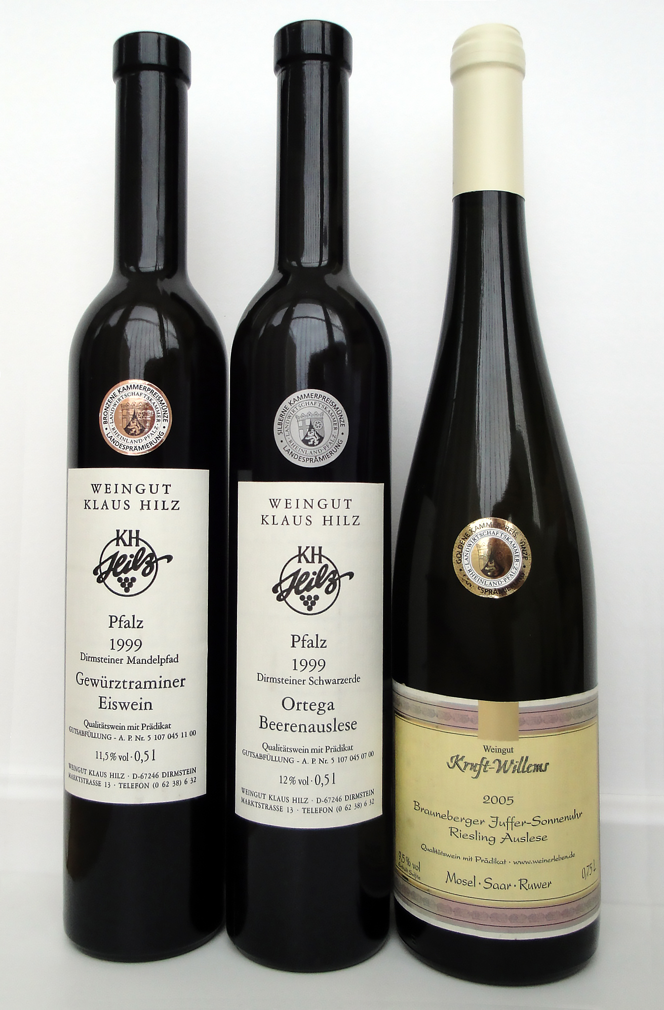File:German wine bottles with KPM medals jpg - Wikimedia Commons