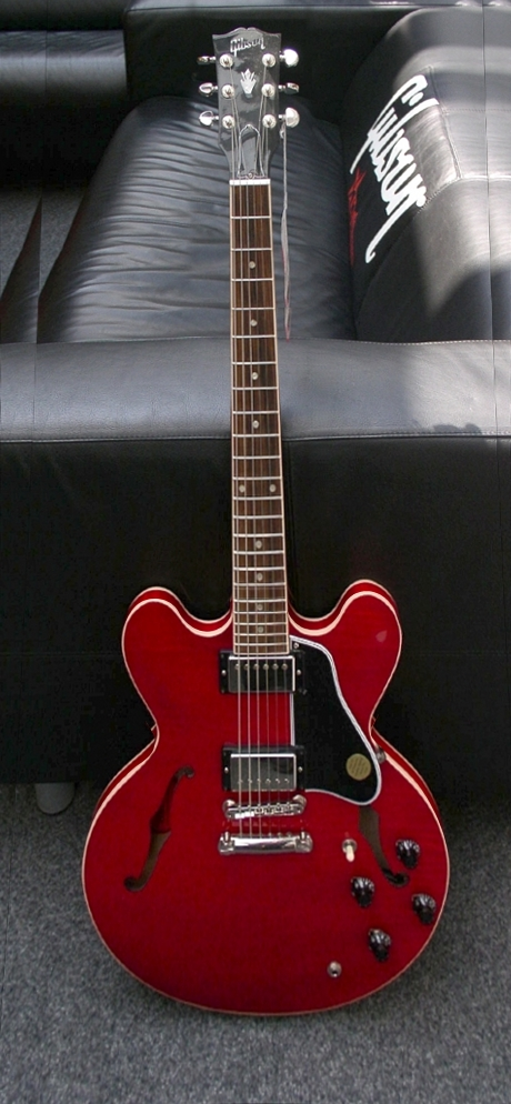 file gibson es 335 wikimedia commons. Black Bedroom Furniture Sets. Home Design Ideas