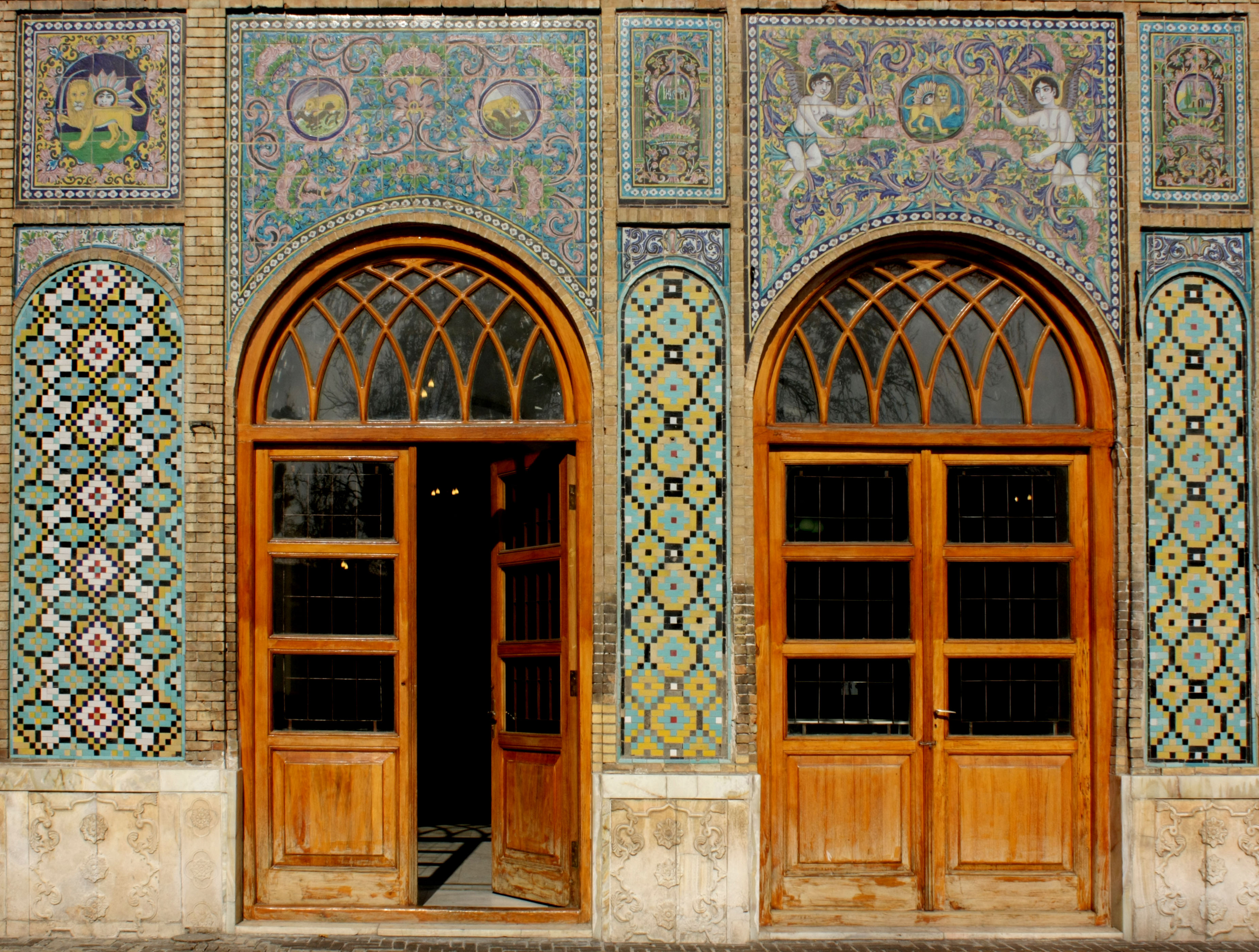 FileGolestan door.JPG & File:Golestan door.JPG - Wikimedia Commons