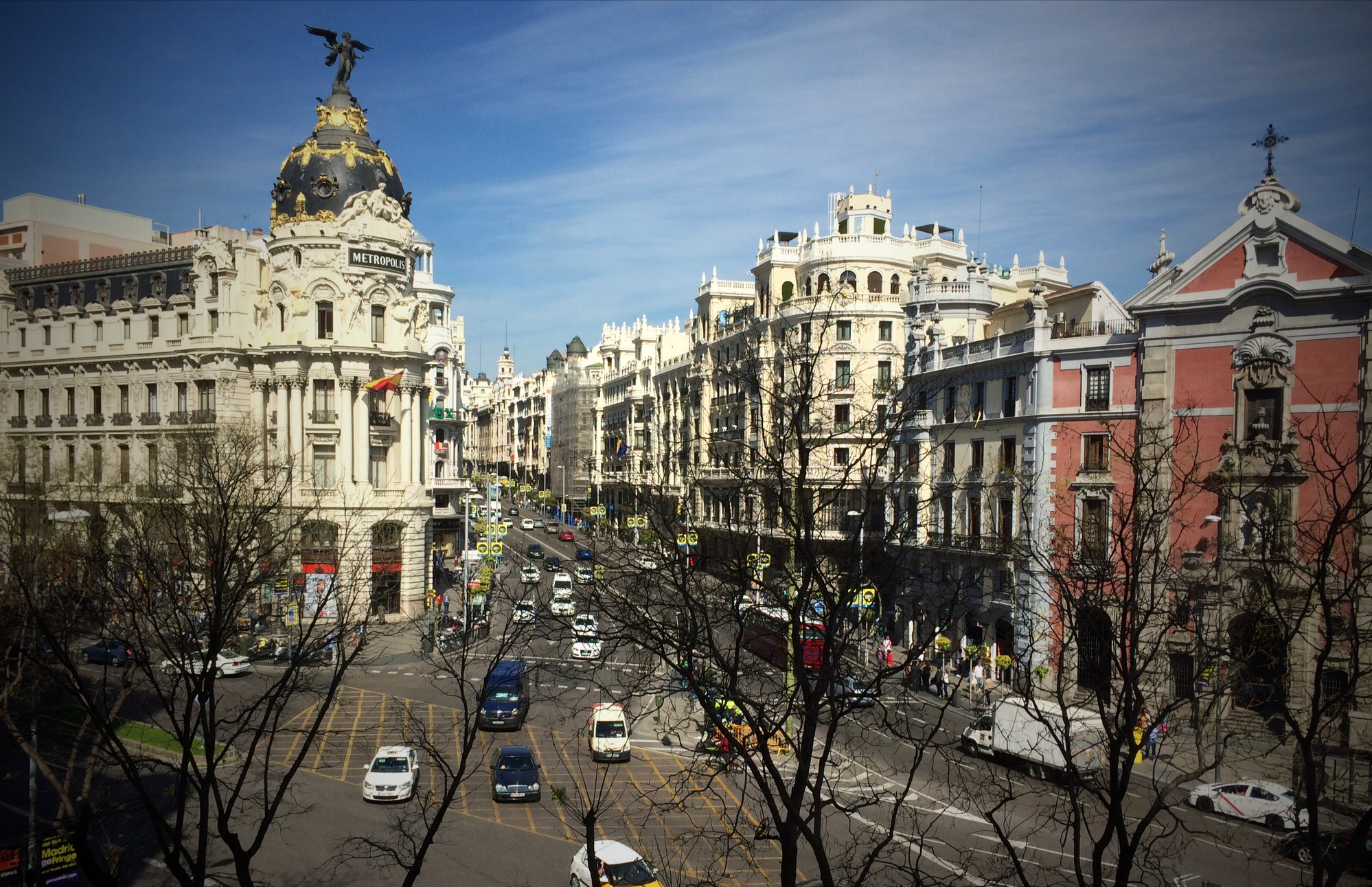 By Álvaro Ibáñez from Madrid, Spain (Gran Vía + Metrópolis)